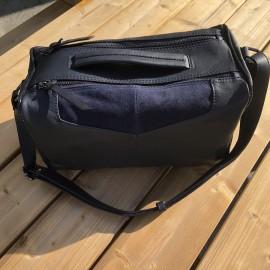 sac à main forme bowling en cuir bleu marine