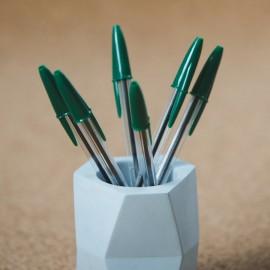 Pot à crayons en ciment bleu