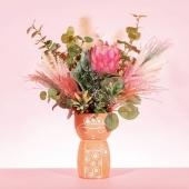 L'heure de la fête des mères approche 🥰 Venez vite découvrir les dernières nouveautés du Pompon qui feront forcément plaisir aux mamans 💛 Tasse, gourde, vase, bougeoir, pichet, bougie fluo... ce n'est pas le choix qui manque 😉 . #nouveautés #fetedesmeres #petitsbonheurs #cadeau #maman #faireplaisir #boutiqueenligne #clickandcollect